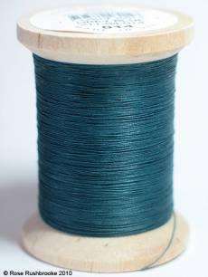 YLI Handquiltgarn grey blue